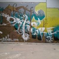 El Oktubre Dosmilonze (Mundet) muro con Serioh y Trybe