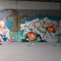 Trybe (Mundet) mural con Serioh y Oktubre